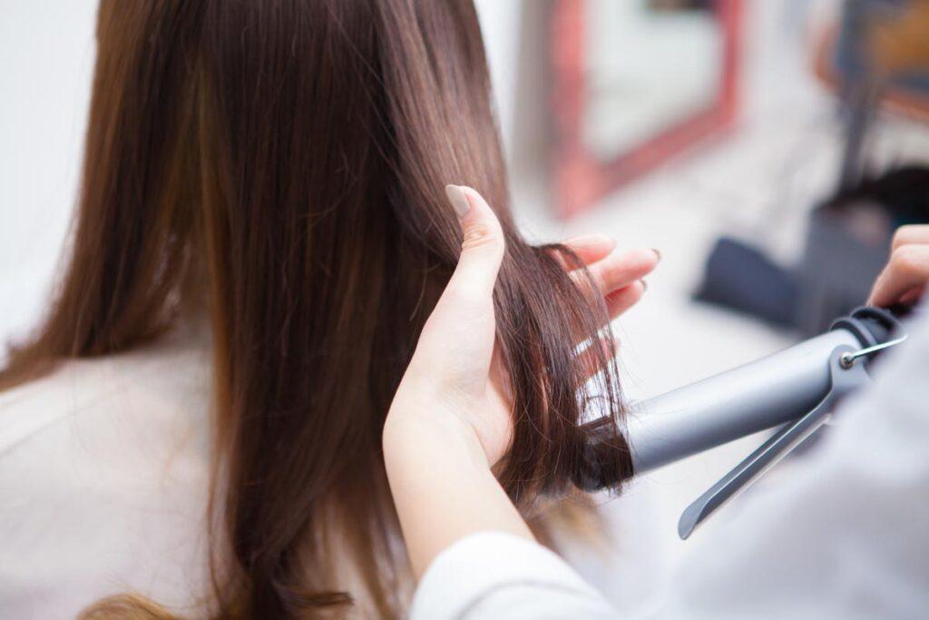 髪も肌と同様に紫外線対策を忘れずに身だしなみを整えよう